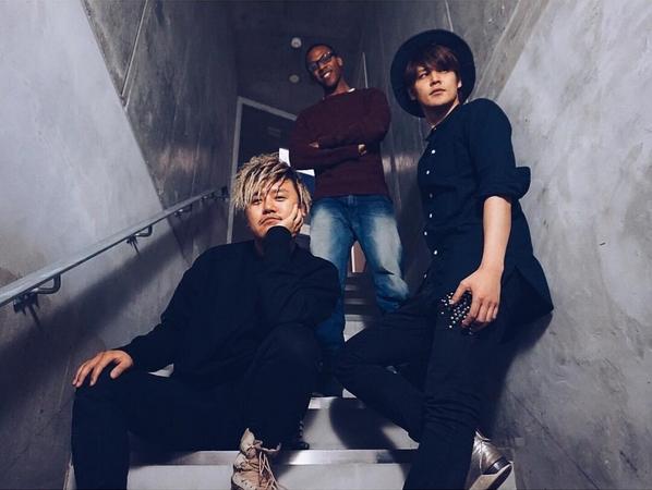 Da esquerda para direita: STY, Gregory e Mamo-chan (Fonte: Instagram de STY)