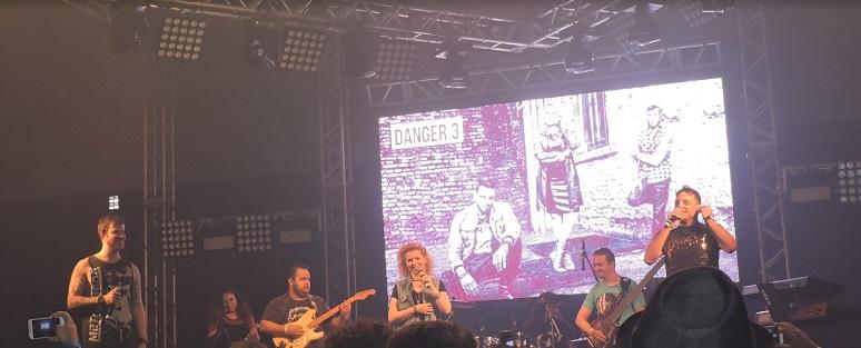 Danger 3 faz show com músicas inéditas, performance e nostalgia no Sana Fest